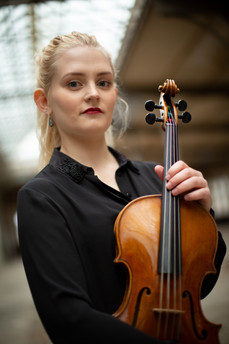 Marie Schutrak - Viola