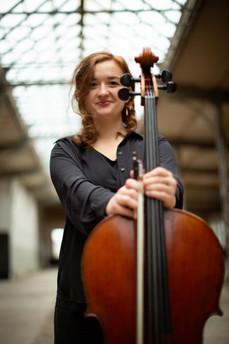 Julia Panzer - Violoncello