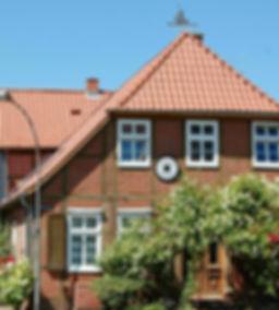 Fachwerkhaus in Bleckede an der Elbe, mit dem Fahrrad die Landschaft an der Elbe entlang der Deutschen Fachwerkstraße erkunden