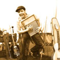 The Backyard Skiffle Band (family show)