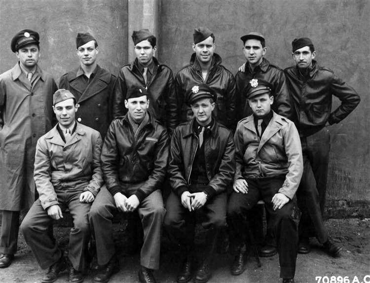 Crew of Heavenly Body II