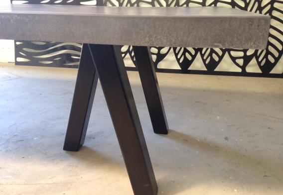 tripod black legs.JPG