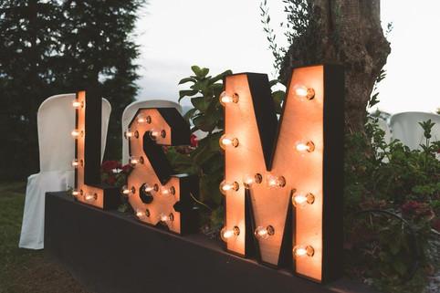 Letras luminosas decorativas.
