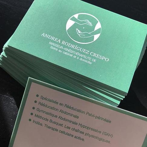 Logotipo y tarjetas de visita.