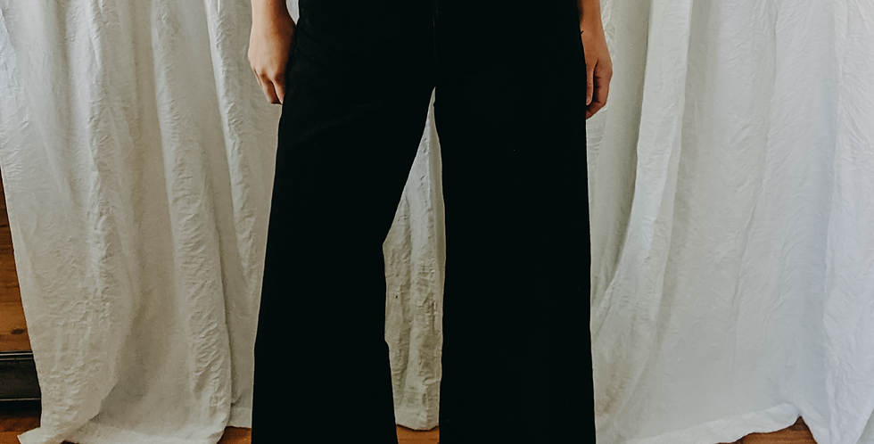 Black Raw Hem Wide Leg Jean