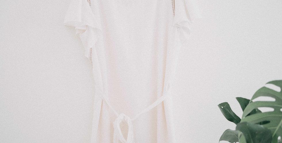 GAP / Flutter Sleeve Cream Dress