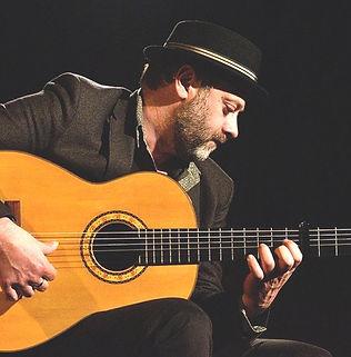 mathias guitariste flamenco.jpg