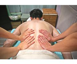 Anne-Laure_Zamora,_massage_à_4_mains