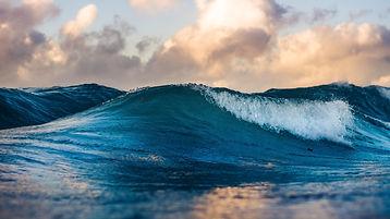 ocean%20wave%20during%20daytime_edited.jpg