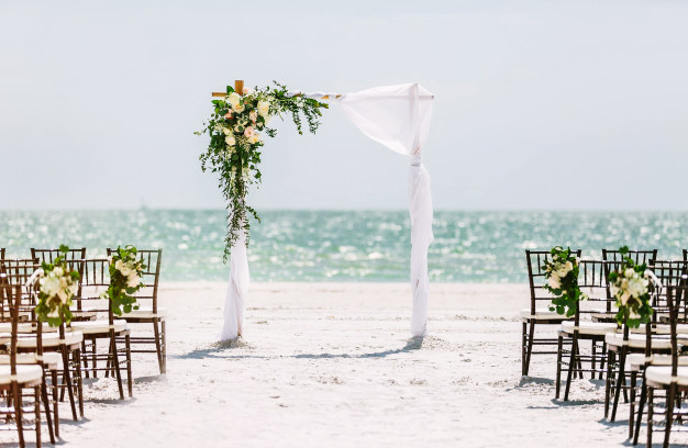 beautiful-wedding-arch-beach-wedding-cer