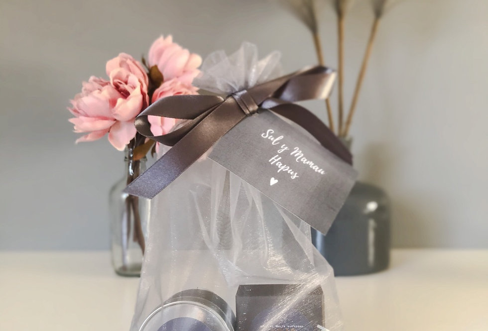 Luxury Gift Set - Heart Melts & Candle Tin 10cl