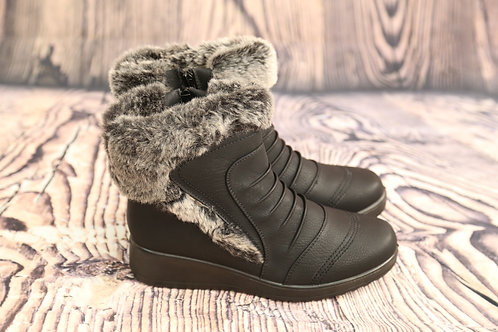 Black Faux Fur Lined Boots