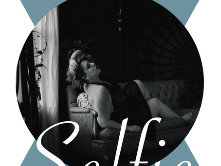 """The Official """"Boudoir Your Selfie"""" Guide is here!"""