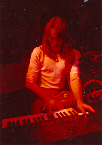 Jeff Avery on keyboards