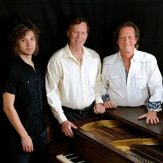 Carlton with producers David Simmons and Eric Dalton
