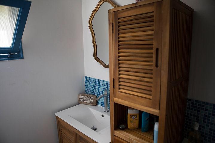 Ecw Surf House Bathroom