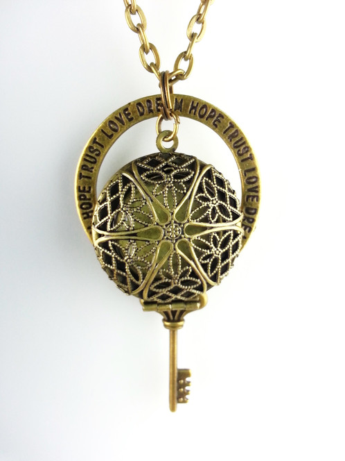 destiny skeleton key diffuser necklace