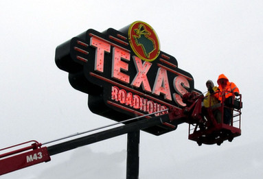 Texas Roadhouse Sign Service