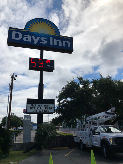 Days Inn - San Antonio