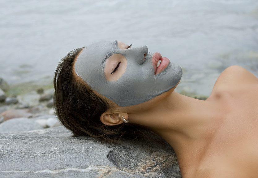 Masken und Pflege vom toten Meer