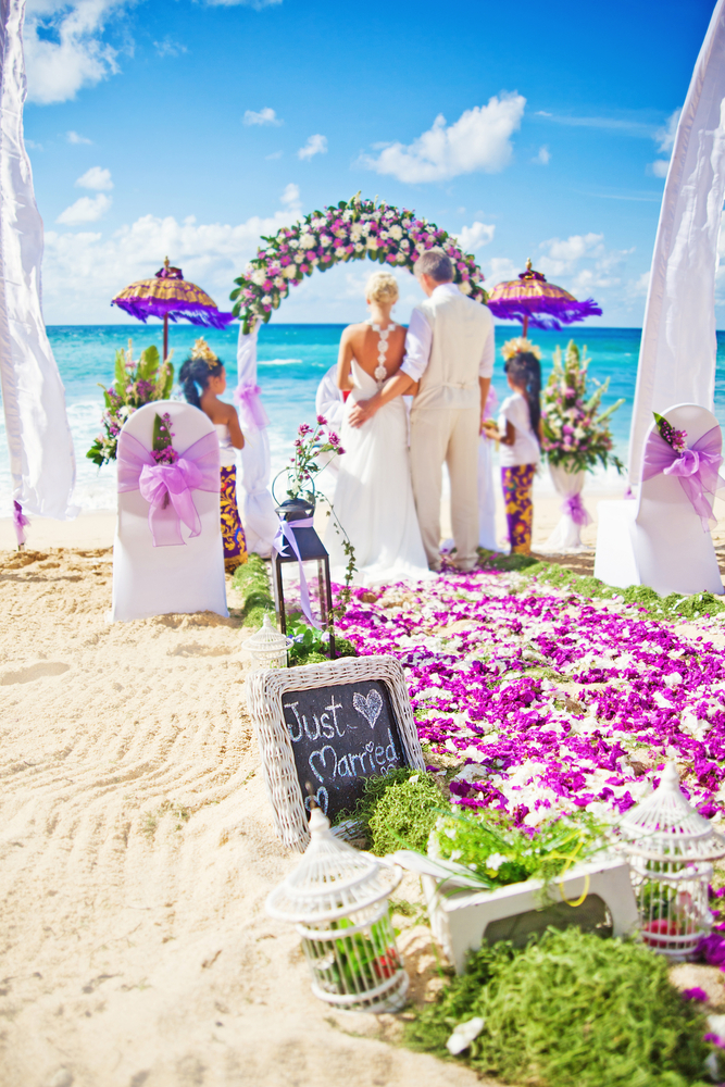 Tropical wedding decoration