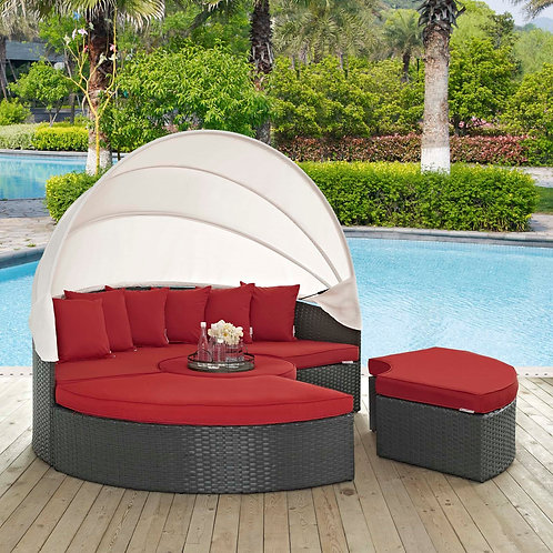 Sojourn Outdoor Patio Sunbrella® Daybed in Canvas Red