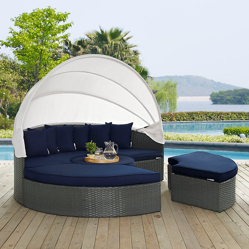 Sojourn Outdoor Patio Sunbrella® Daybed in Canvas