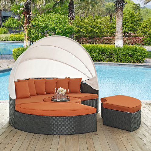 Sojourn Outdoor Patio Sunbrella® Daybed in Canvas Tuscan
