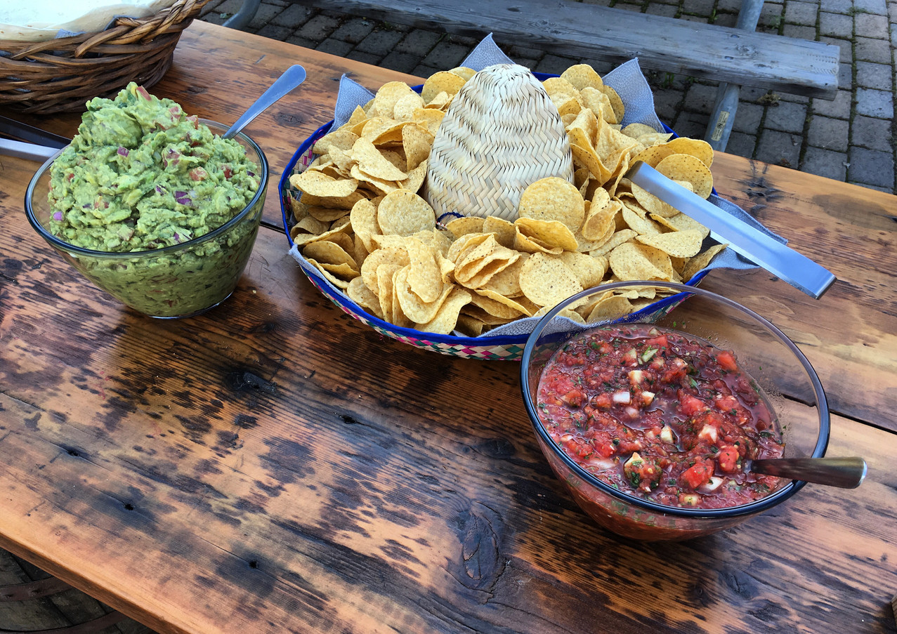 Homestyle Salsa & Guacamole & Chips