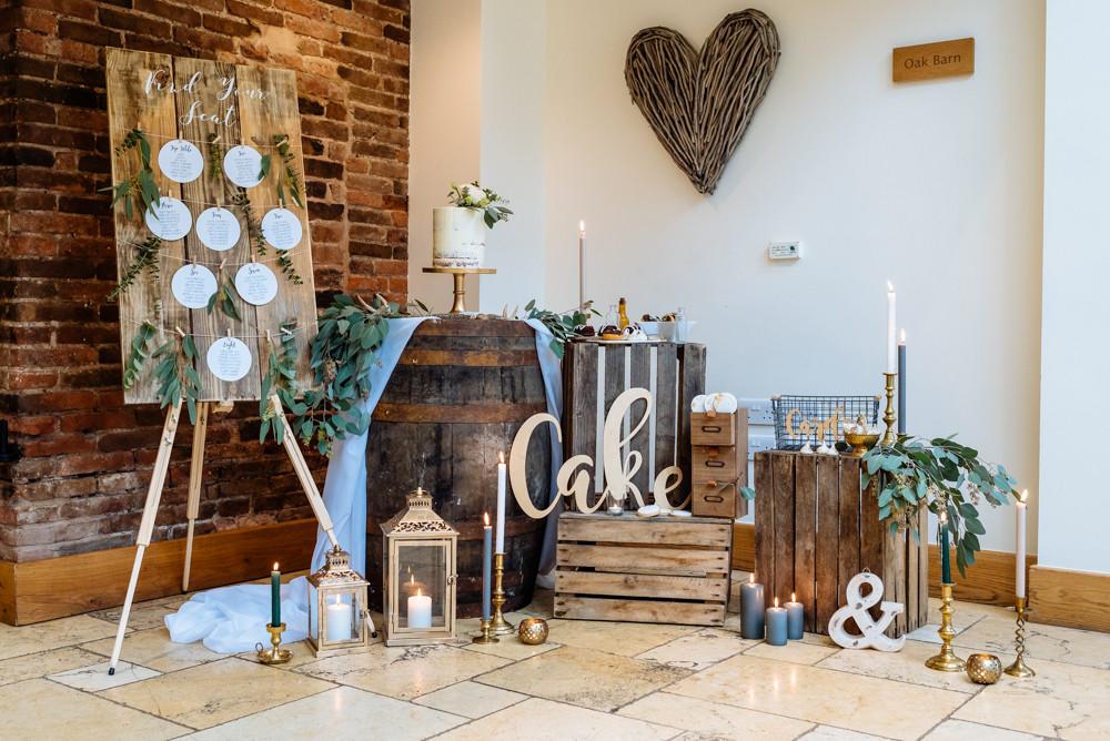 amazing cake table ideas rustic wedding