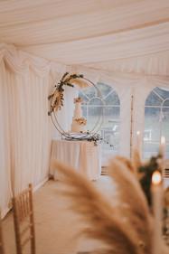 hoop wedding cake stand