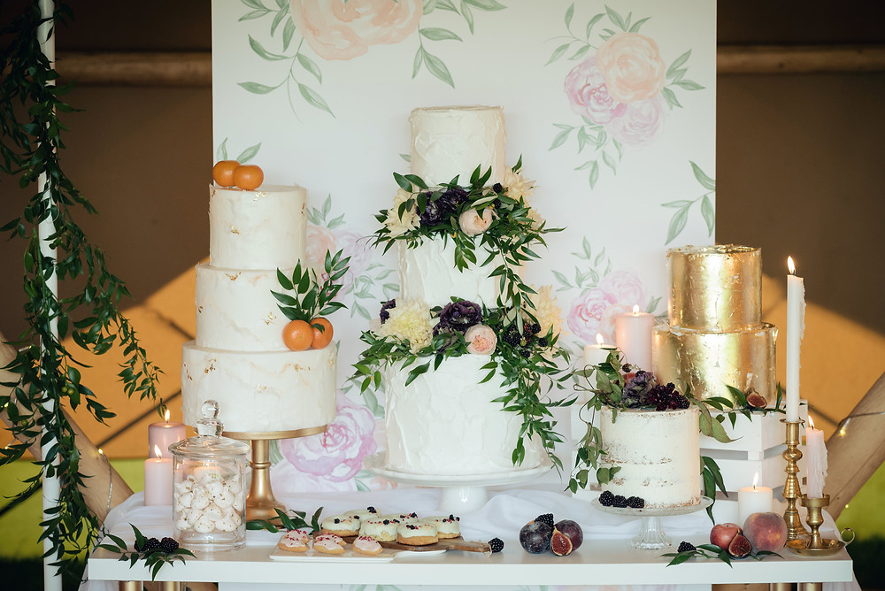 Wedding Cake Stands