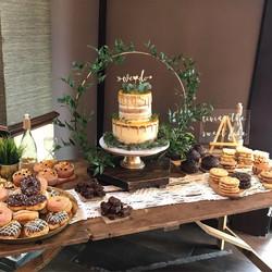 HOOP CAKE STAND