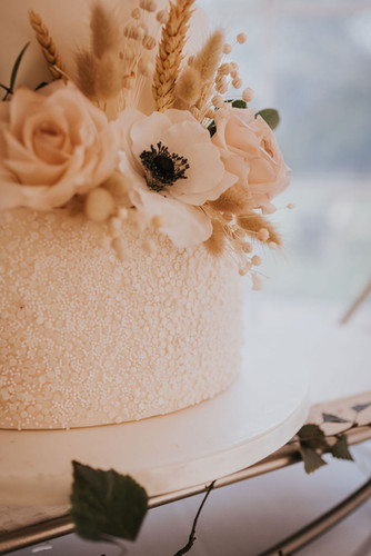 dried floral wedding cake flowers
