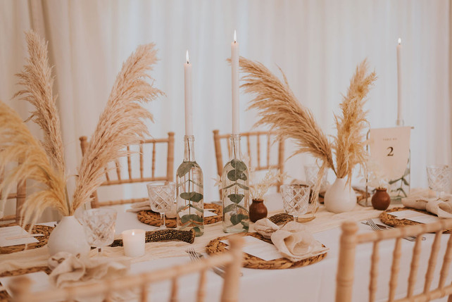 pampas grass wedding table flowers