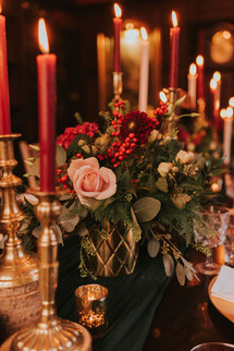 red and gold wedding day decor