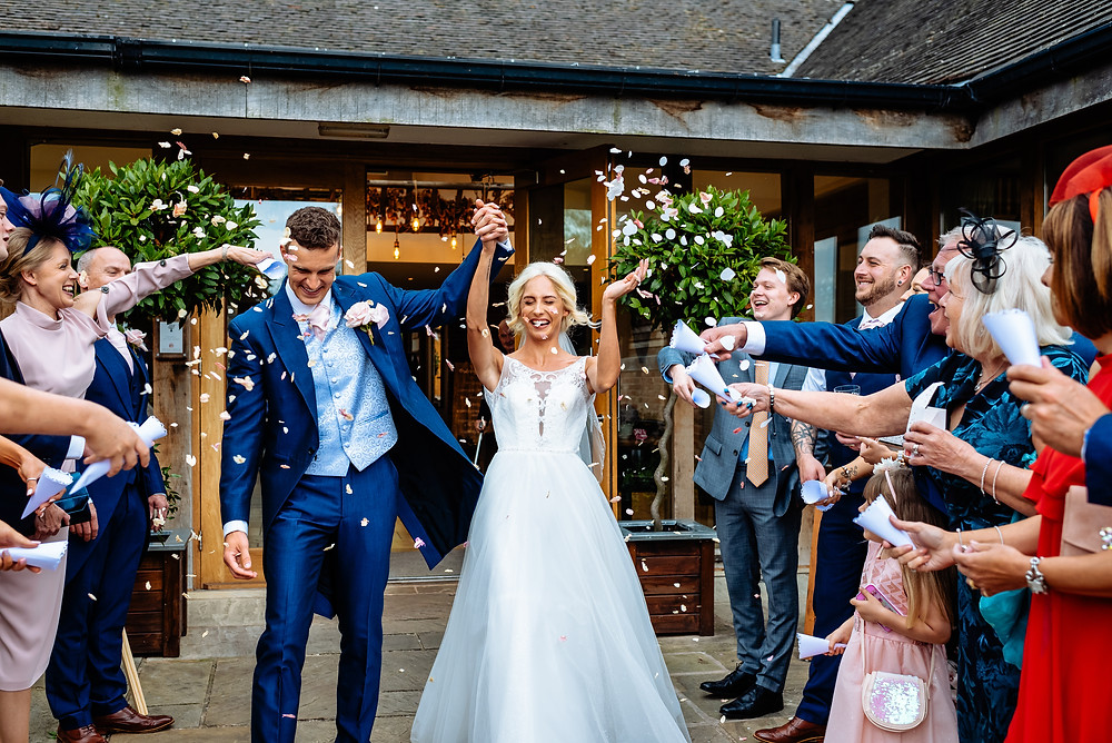 wedding confetti mythe barn