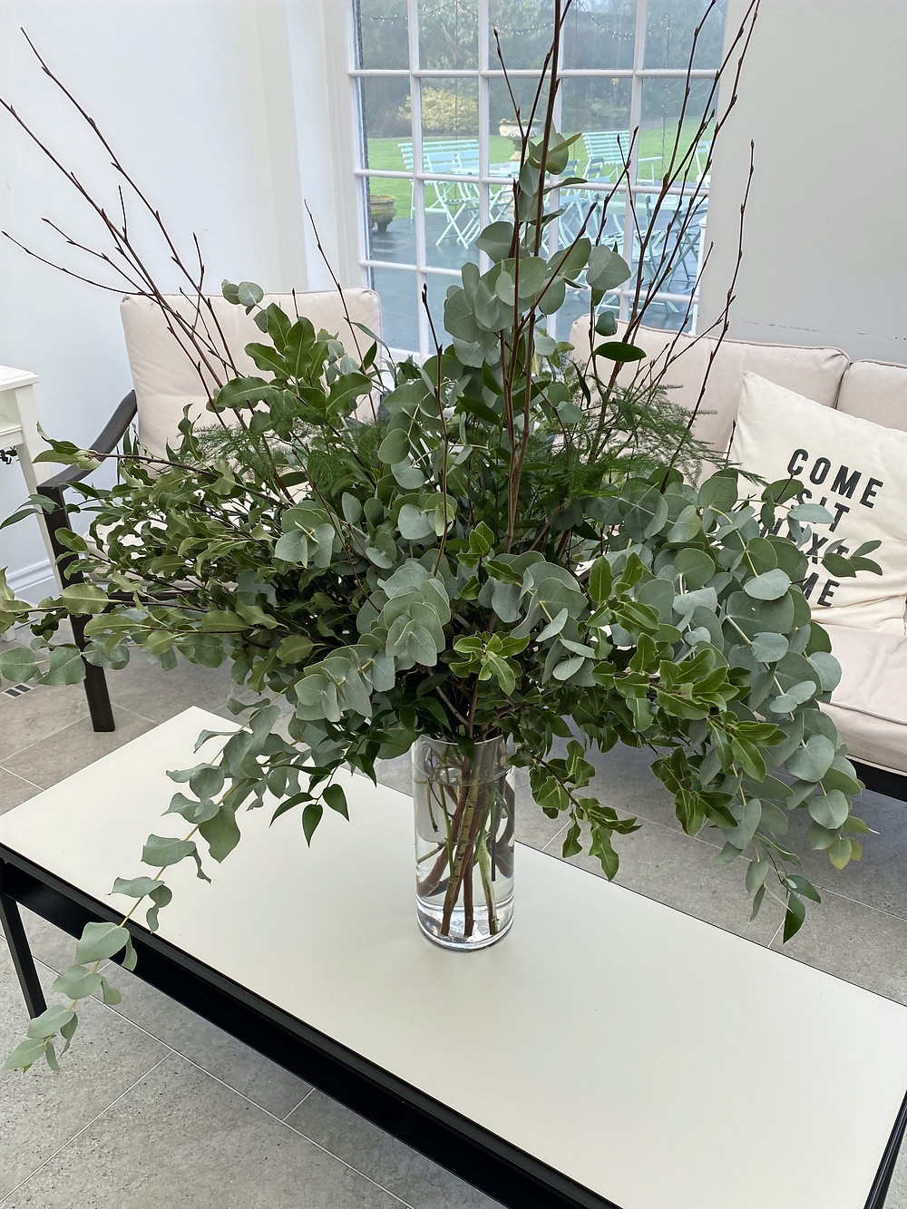 rustic tree wedding centrepiece