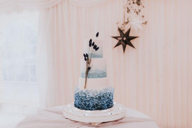 light up cake stand