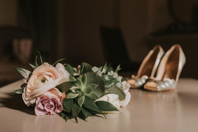 rannunculus wedding flowers peach