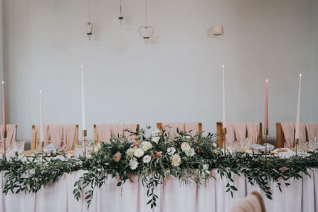 romanitc top table ideas with blush pink drapery