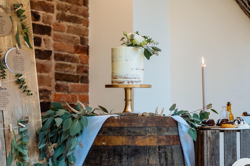 mythe barn wedding venue suppliers