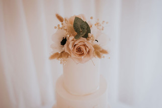 dried florals on cake