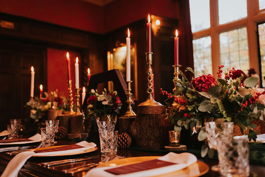 christmas table ideas red