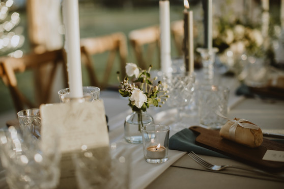 glass bud vases with flowers wedding day