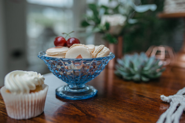 copper macaron cake table ideas