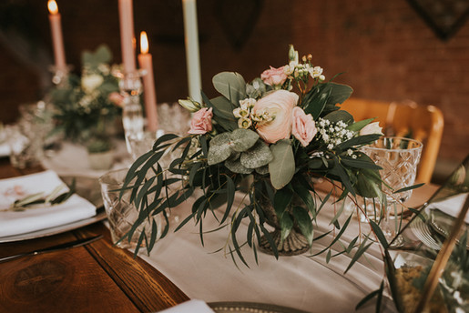 beautiful pastel coloured wedding flowers