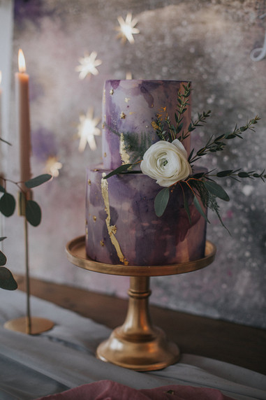 ultra violet wedding cake purple stars