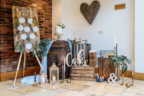 Mythe Barn Rustic Wedding cake