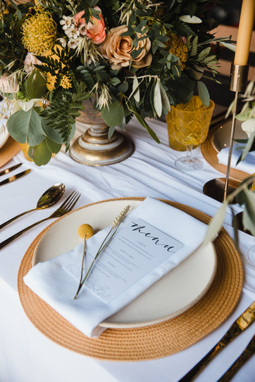 honey & horseshoe wedding planner